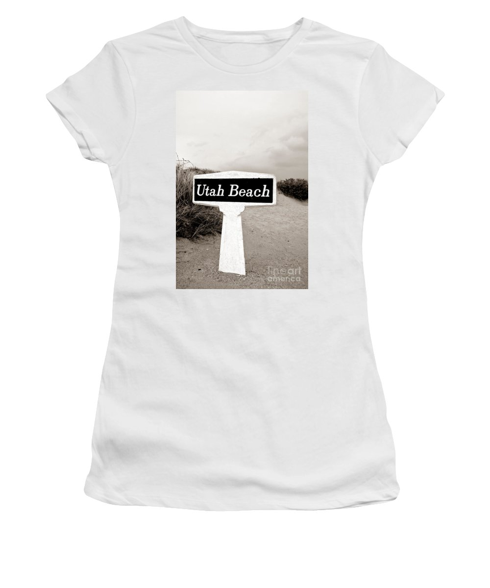 Utah Women's T-Shirt (Athletic Fit) featuring the photograph Thank You by Olivier Le Queinec