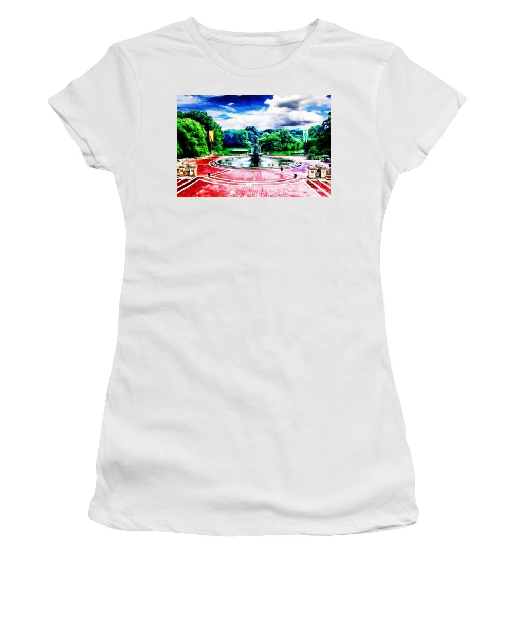 New York Landmarks Women's T-Shirt (Athletic Fit) featuring the photograph Wet Paint - Don't Touch by Nishanth Gopinathan