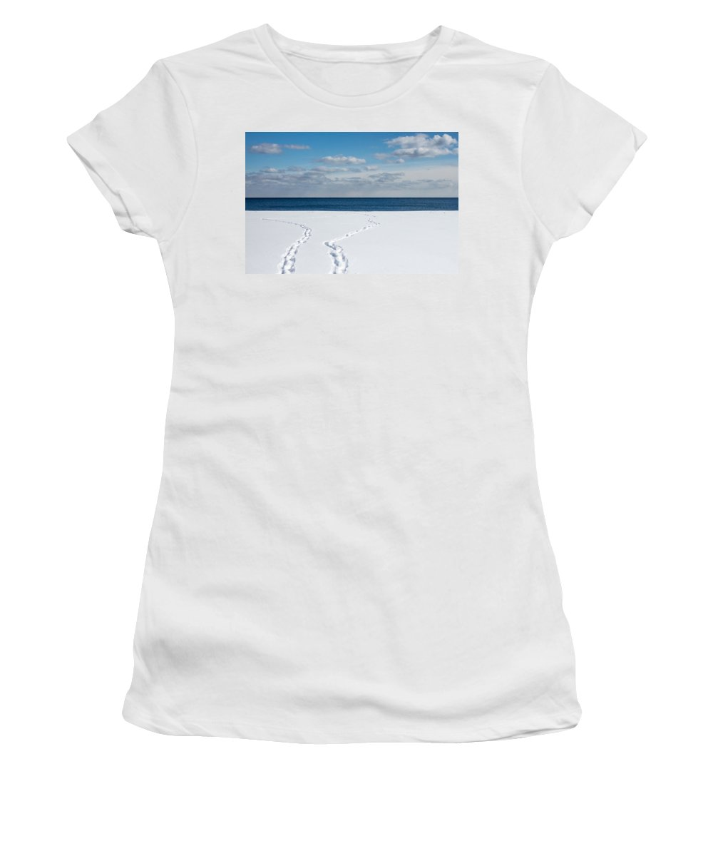 Toronto Women's T-Shirt featuring the photograph Winter Walks by Kyra Savolainen