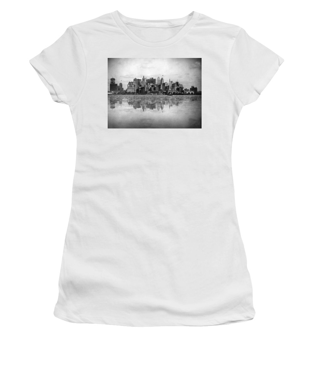 1920's Women's T-Shirt featuring the photograph New York Skyline Reflected by Underwood Archives