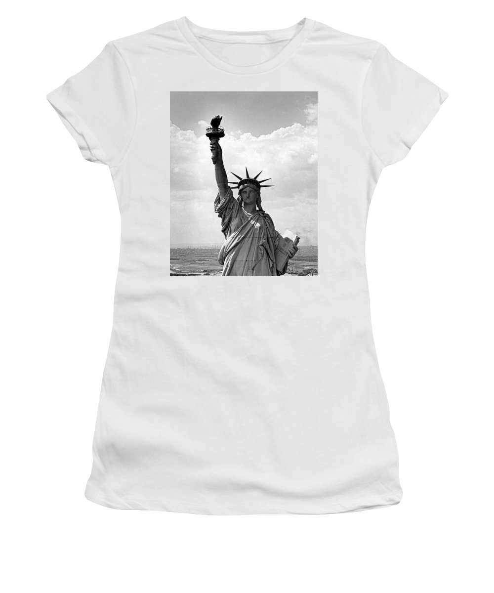 1940's Women's T-Shirt featuring the photograph The Statue Of Liberty by Underwood Archives