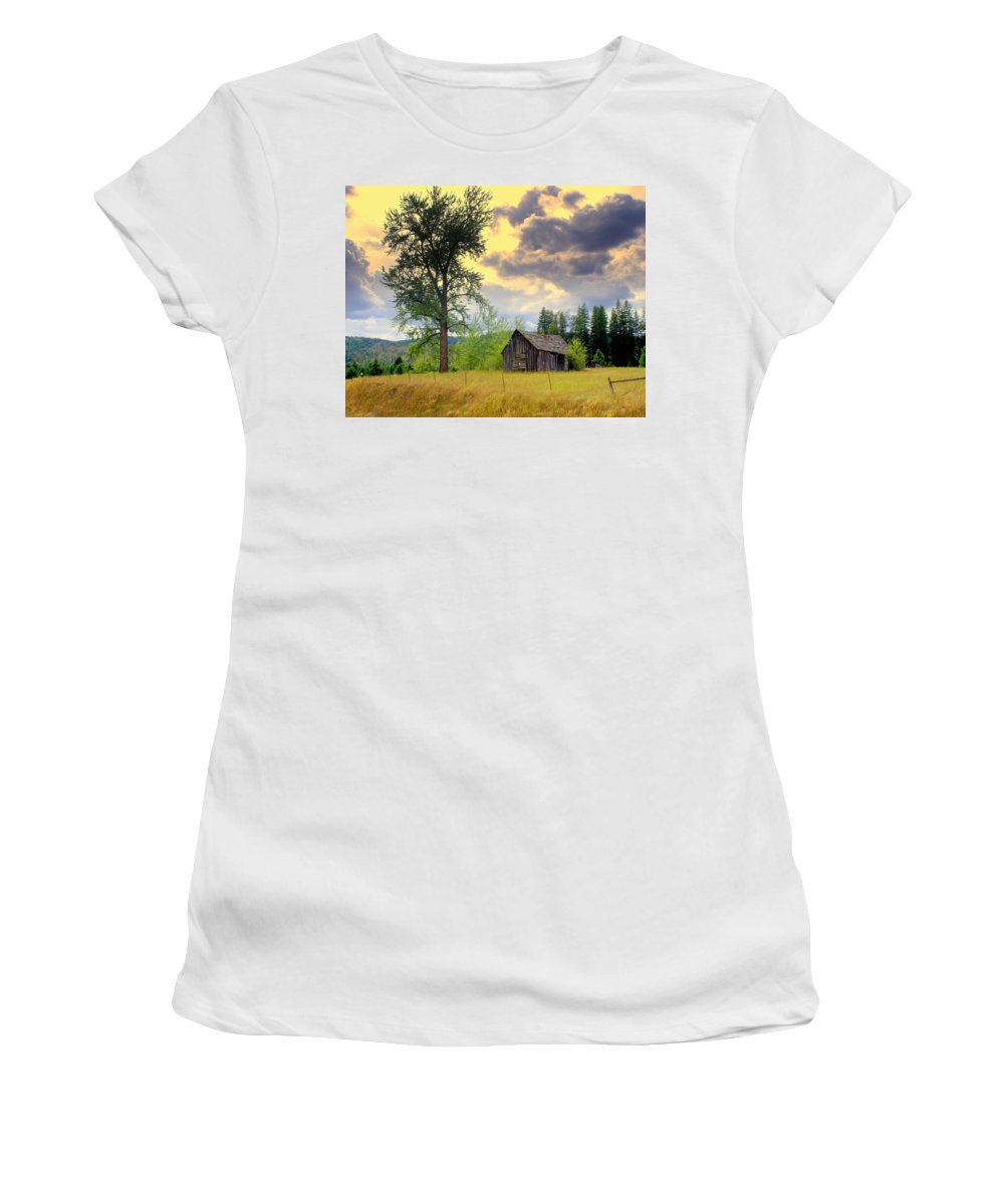 Washington Women's T-Shirt (Athletic Fit) featuring the photograph Washington Homestead by Marty Koch