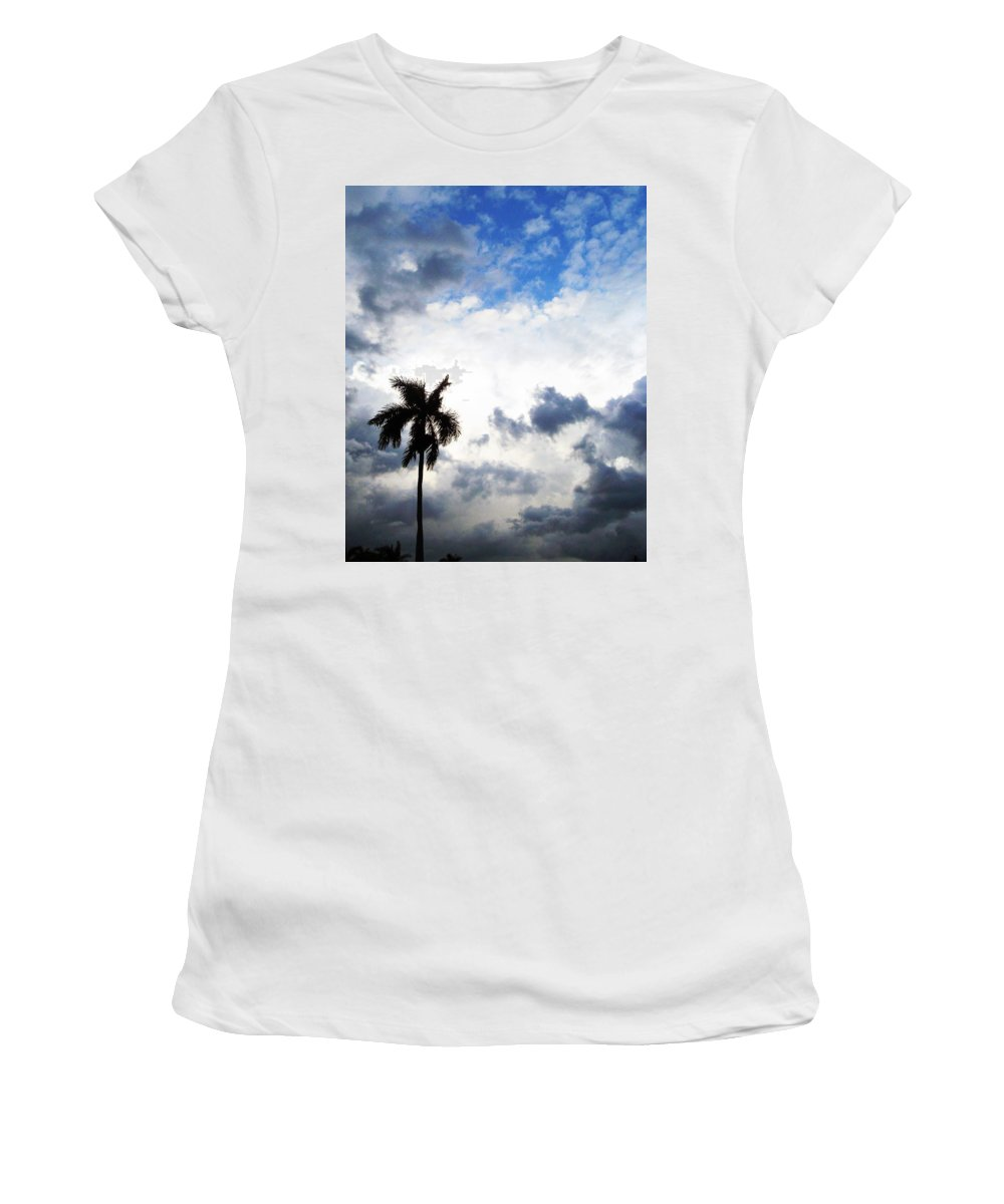 Florida Women's T-Shirt featuring the photograph Darkness Moving In by Chris Andruskiewicz