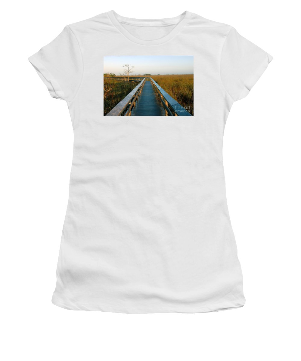 Everglades National Park Florida Women's T-Shirt featuring the photograph Everglades National Park by David Lee Thompson