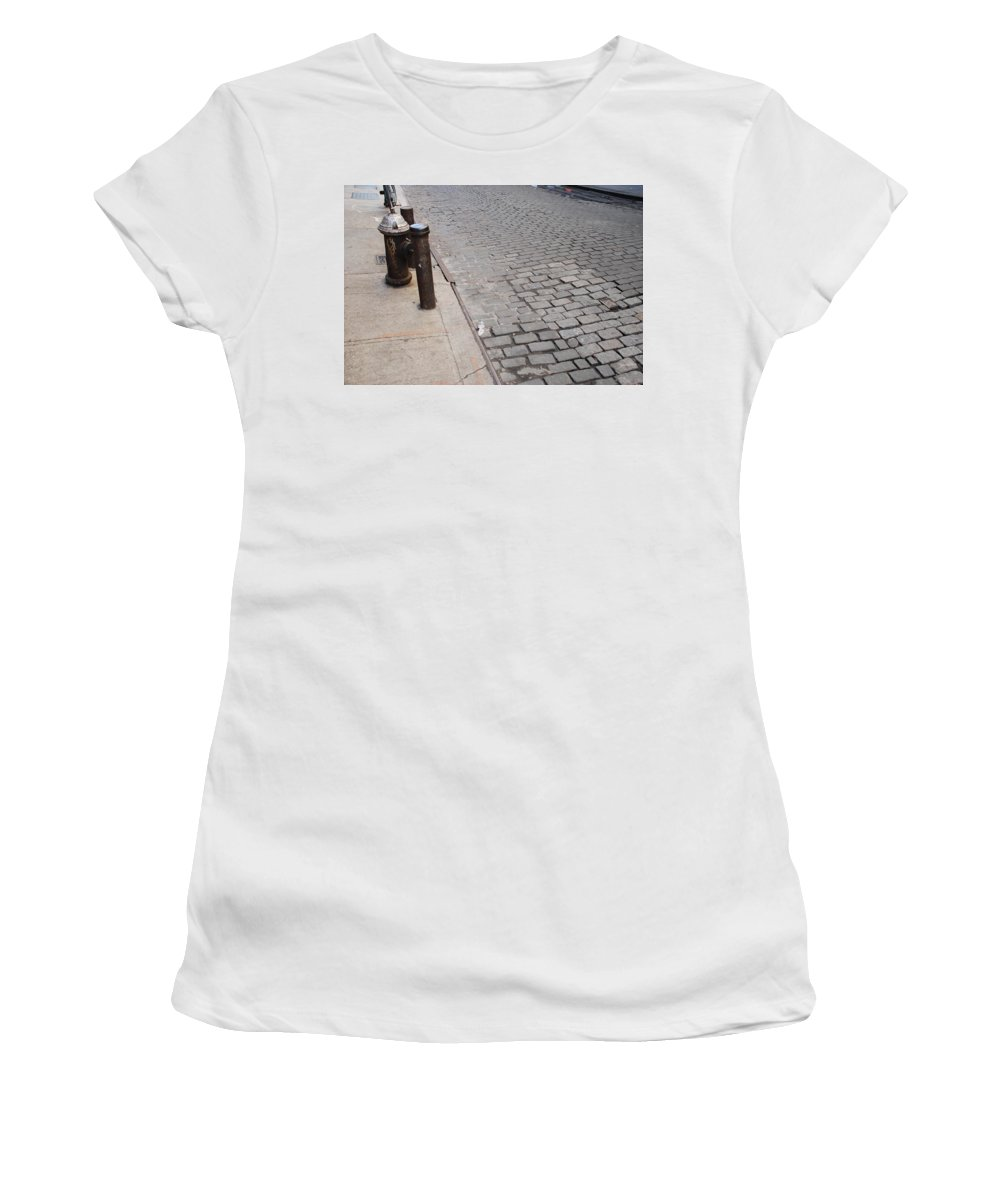 Architecture Women's T-Shirt (Athletic Fit) featuring the photograph Forgotten N Y by Rob Hans