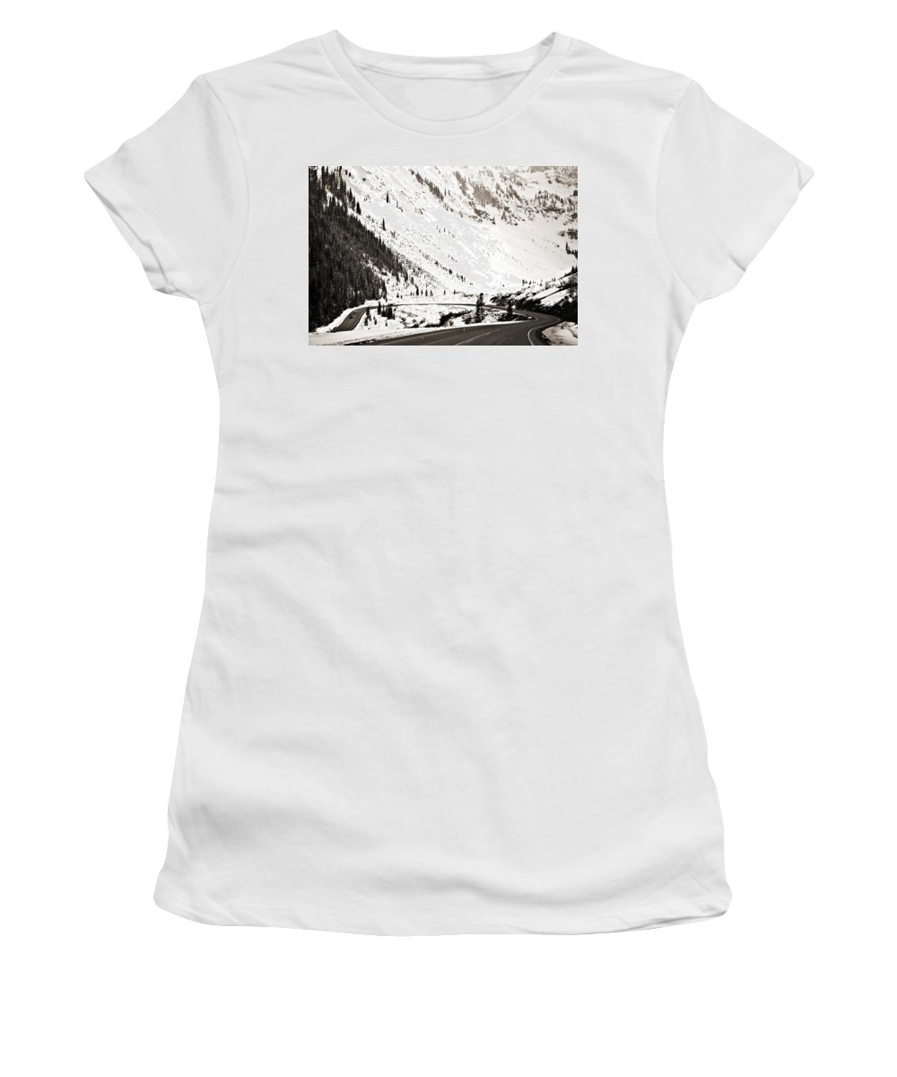 Curve Women's T-Shirt (Athletic Fit) featuring the photograph Hairpin Turn by Marilyn Hunt