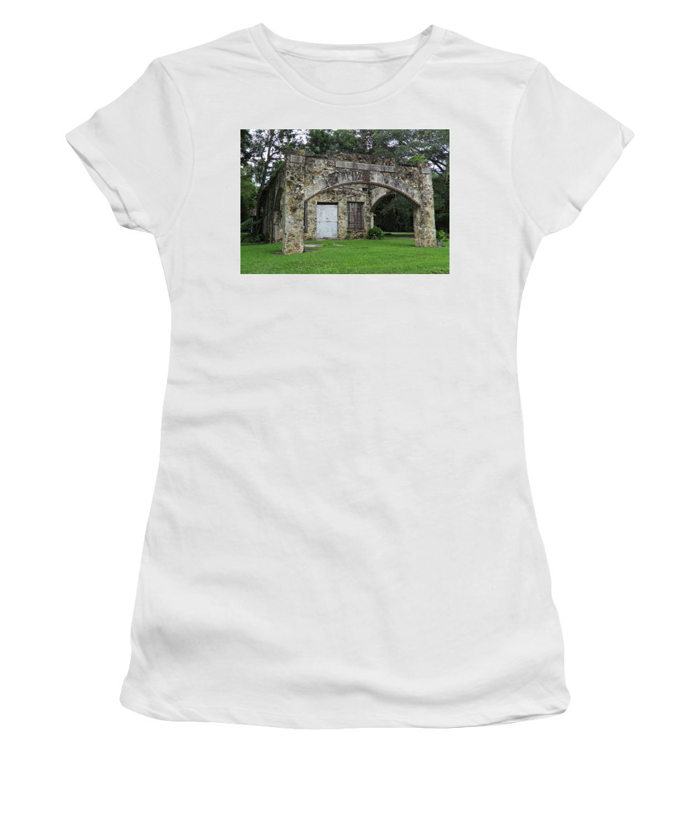 Landscape Women's T-Shirt featuring the photograph J E Turnipseed And Sons by Roger Epps