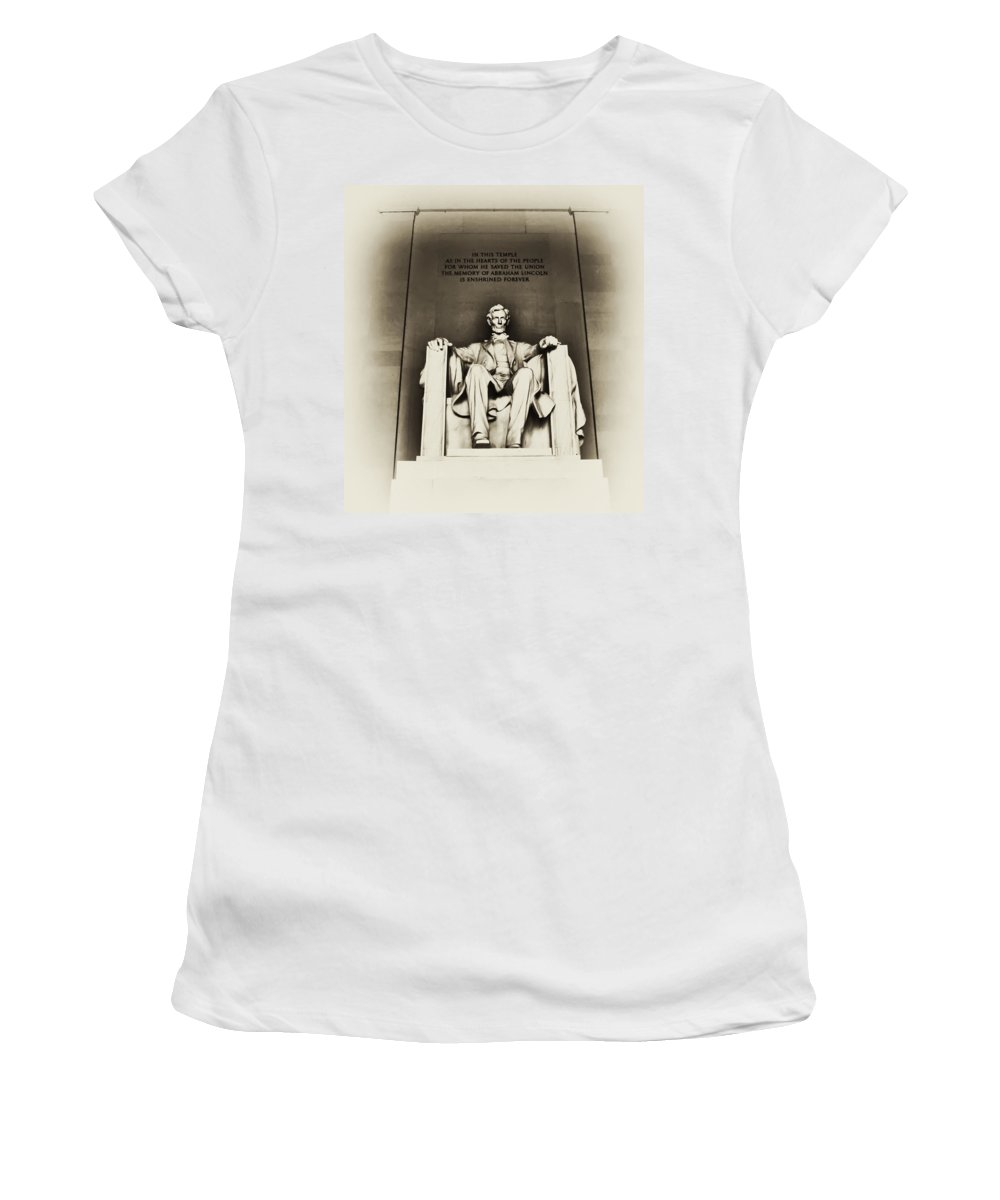 Lincoln Women's T-Shirt (Athletic Fit) featuring the photograph Lincoln Memorial by Bill Cannon