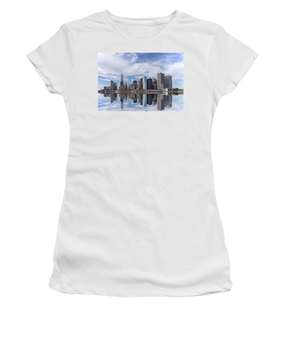 Manhattan Women's T-Shirt featuring the photograph Lower Manhattan Nyc by Paul Fell