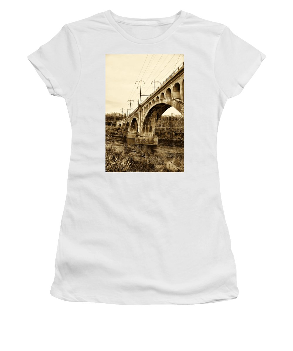 Manayunk Women's T-Shirt featuring the photograph Manayunk Bridge Across The Schuylkill River In Sepia by Bill Cannon