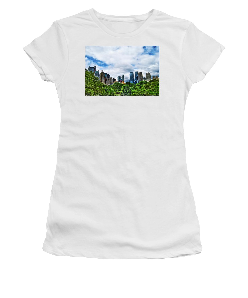 Manhattan Women's T-Shirt featuring the photograph Nature In Metropolis by Randy Aveille