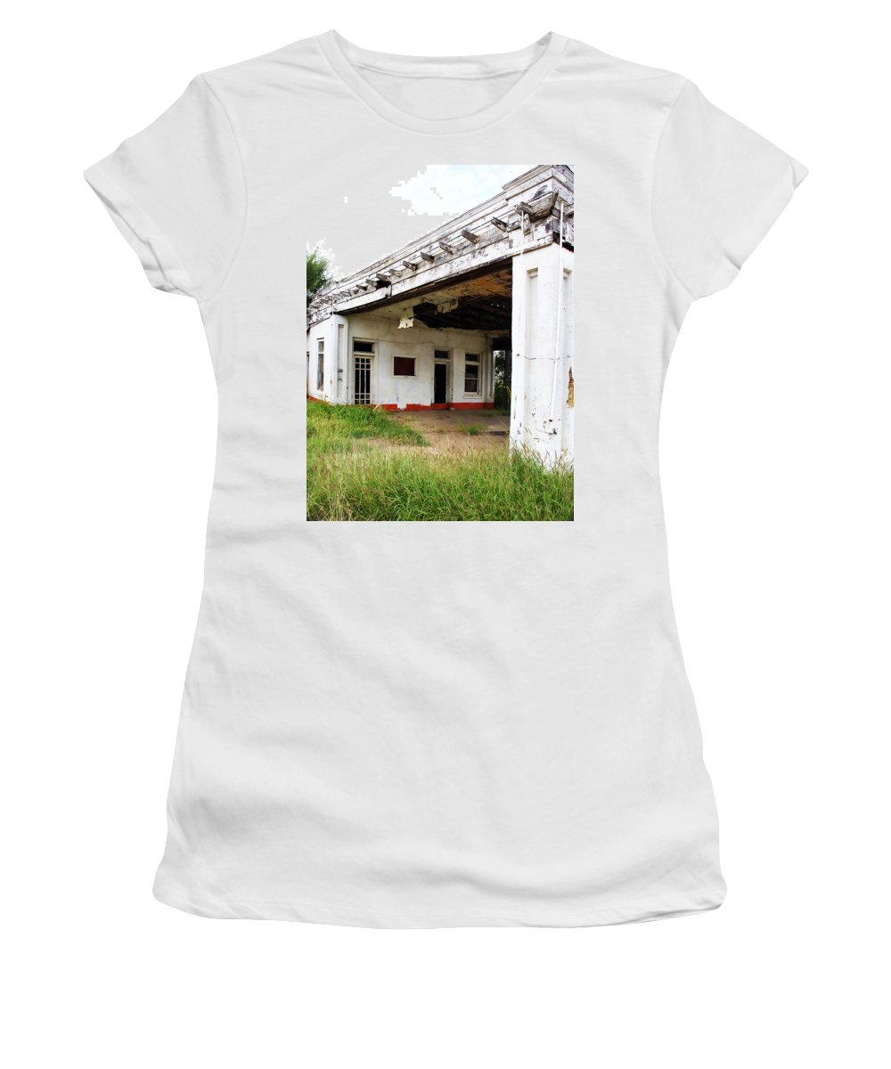 Peeling Paint Women's T-Shirt (Athletic Fit) featuring the photograph Old Texas Gas Station by Marilyn Hunt