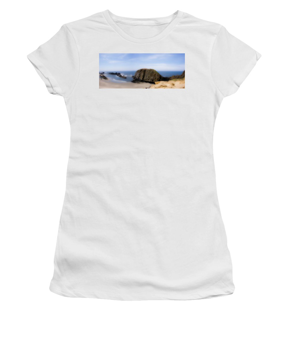 Oregon Women's T-Shirt (Athletic Fit) featuring the photograph Oregon Coast 4 by Lee Santa