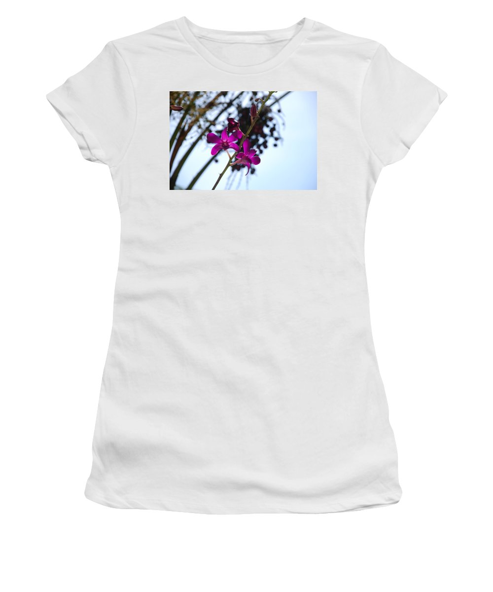 Macro Women's T-Shirt (Athletic Fit) featuring the photograph Purple Flowers In The Sky by Rob Hans