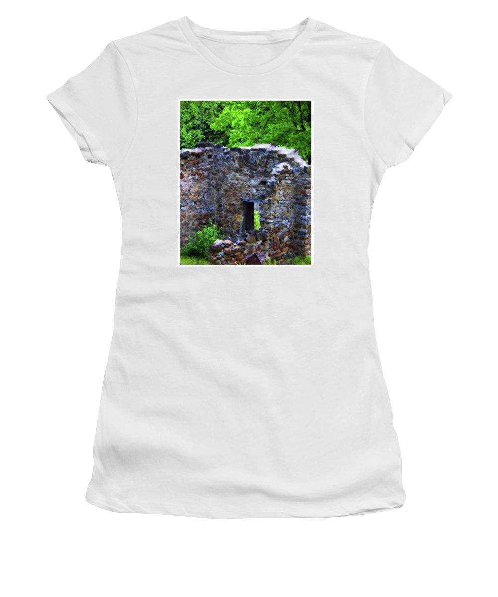 Photograph Women's T-Shirt featuring the photograph Saucon Creek Barn by John Feiser