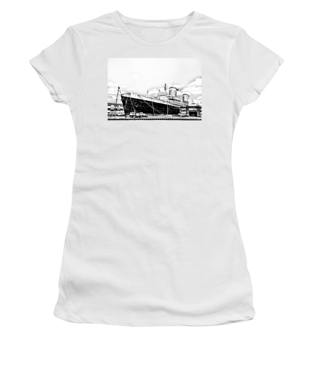 Philadelphia Women's T-Shirt (Athletic Fit) featuring the photograph Ss United States by Bill Cannon