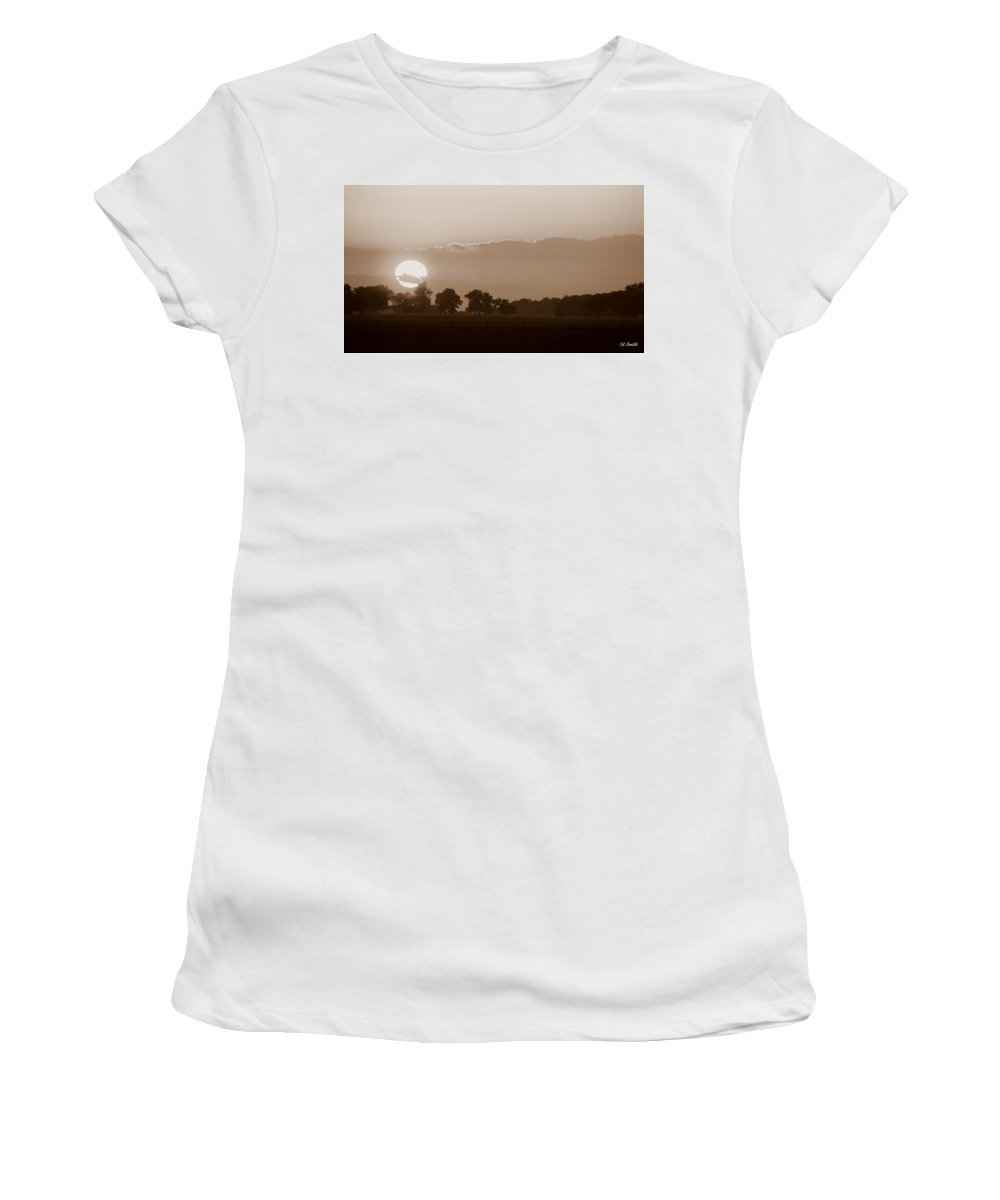 Sunday Sunset Women's T-Shirt (Athletic Fit) featuring the photograph Sunday Sunset by Ed Smith