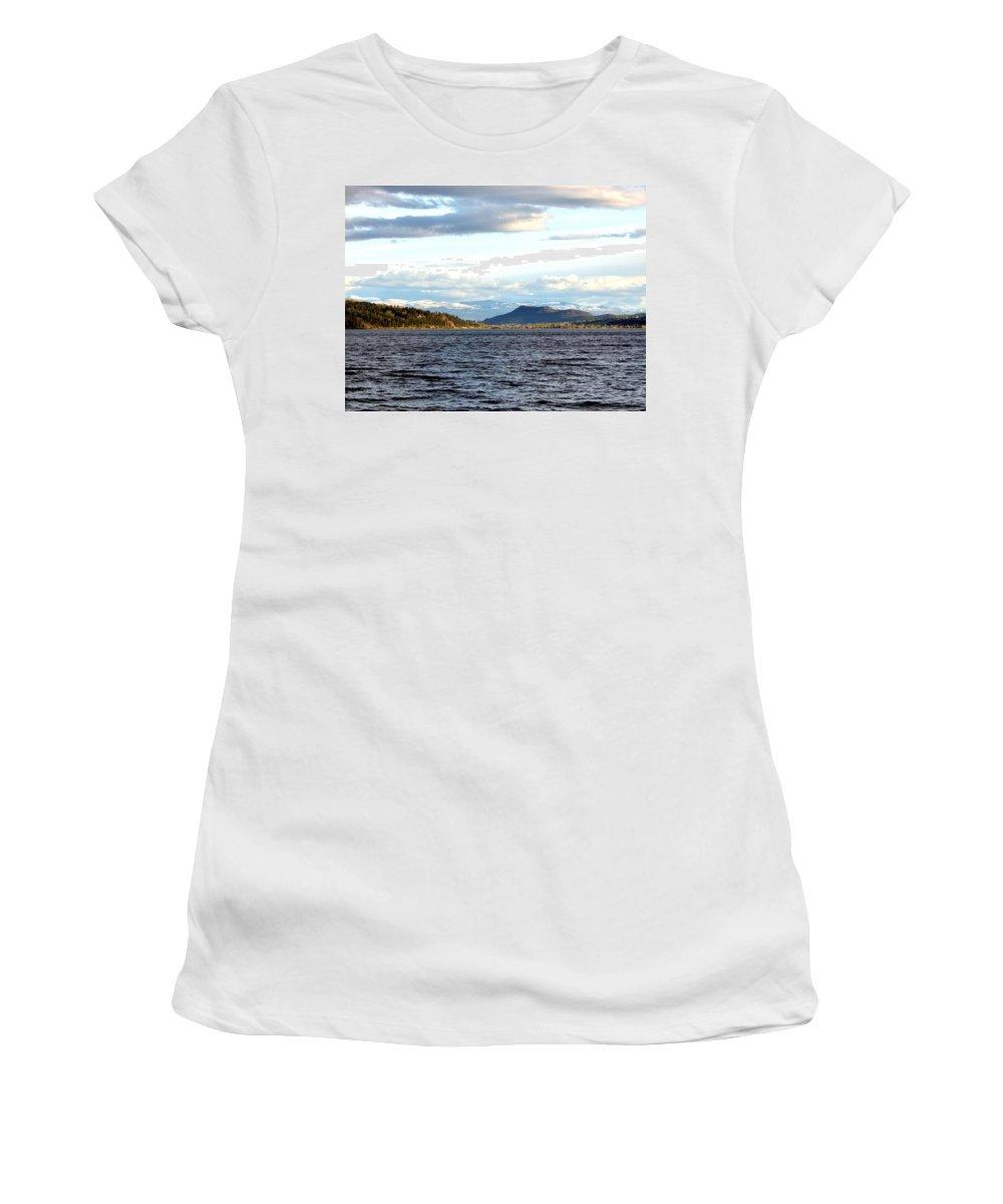 Vista 11 Women's T-Shirt featuring the photograph Vista 11 by Will Borden