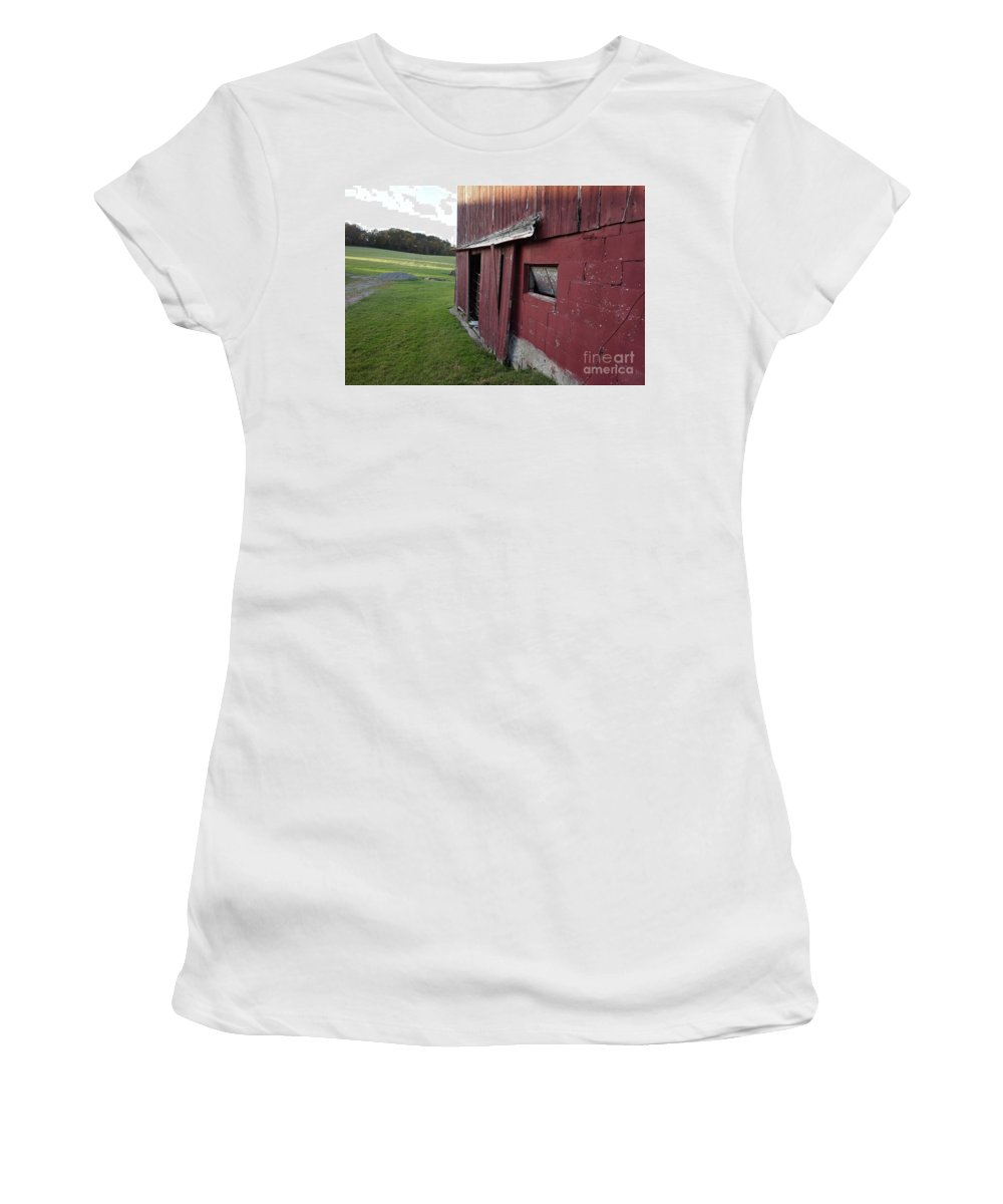 Old Red Barn Women's T-Shirt featuring the photograph Tattiebogle West by Chris Naggy