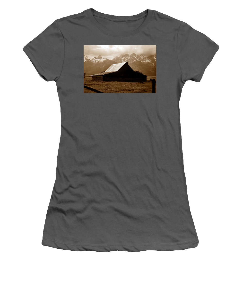 Fine Art Photography Women's T-Shirt (Athletic Fit) featuring the photograph The Old Moulton Barn by David Lee Thompson