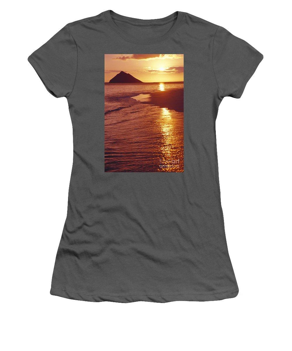 Beach Women's T-Shirt (Athletic Fit) featuring the photograph Oahu, Lanikai Beach by Tomas del Amo - Printscapes