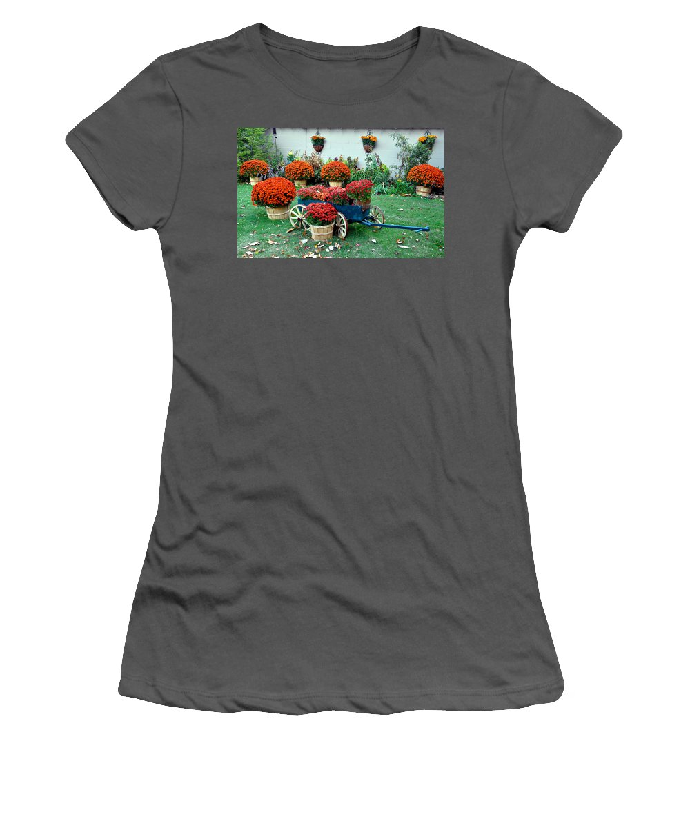 Mums Women's T-Shirt (Athletic Fit) featuring the photograph Autumn by Brittany Horton