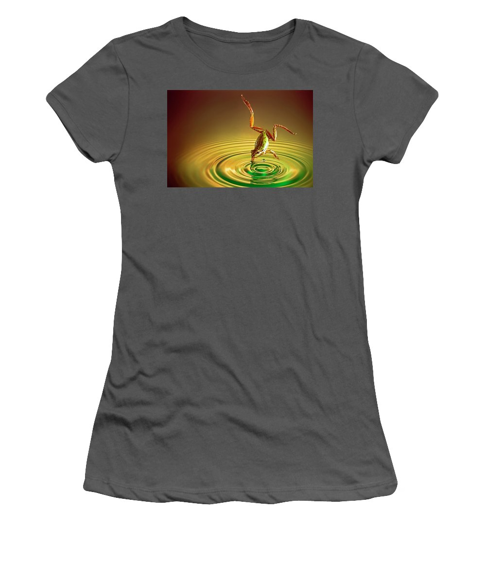 Frog Women's T-Shirt (Athletic Fit) featuring the photograph Diving by William Freebillyphotography
