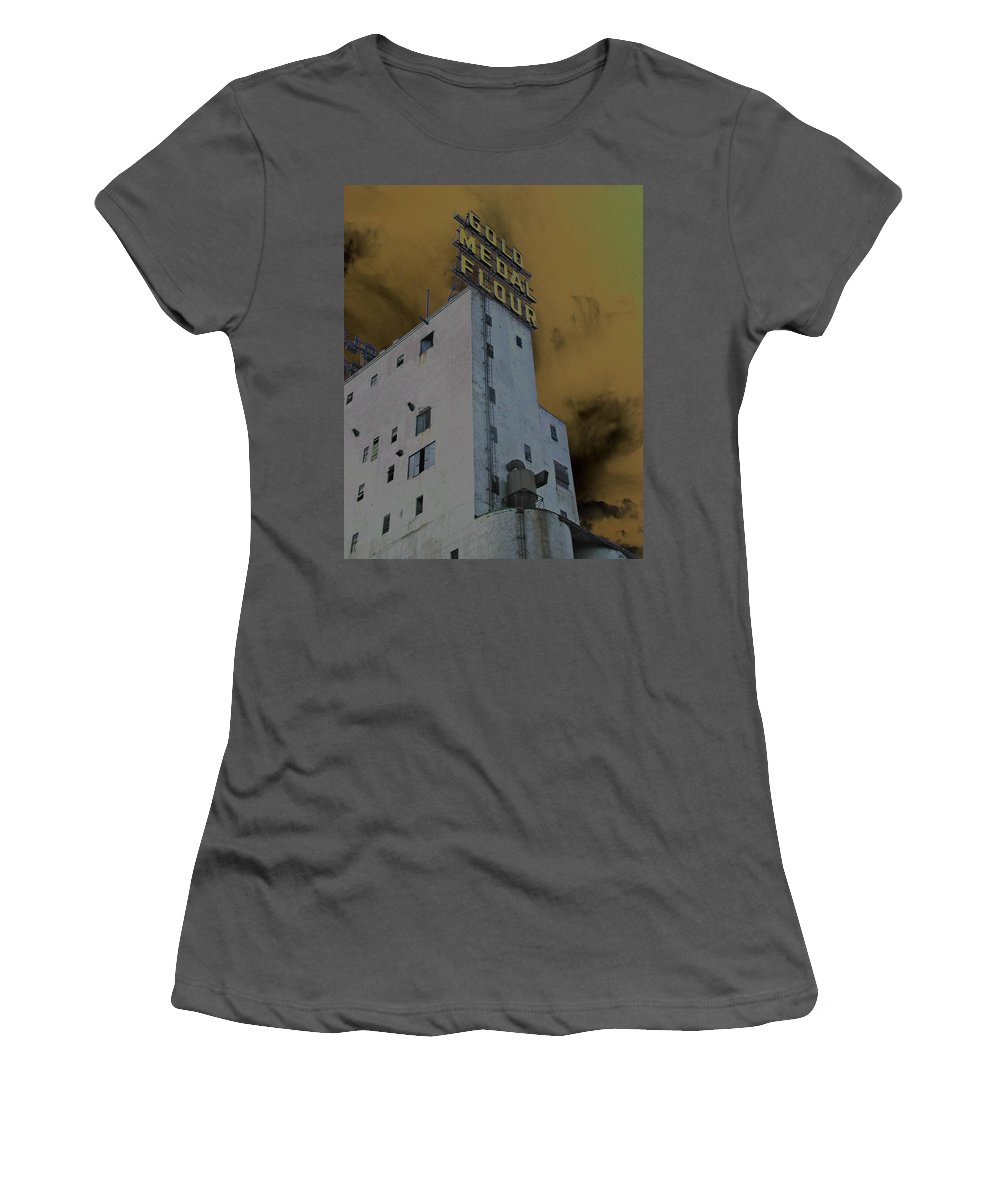 Minneapolis Women's T-Shirt (Athletic Fit) featuring the photograph Gold Medal Flour by Tom Reynen
