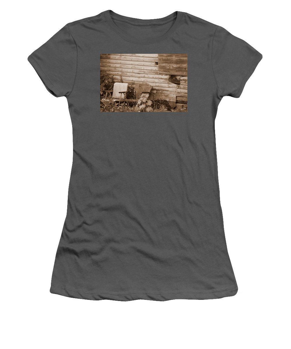 Quiet Conversations Women's T-Shirt (Athletic Fit) featuring the photograph Quiet Conversations by Ed Smith