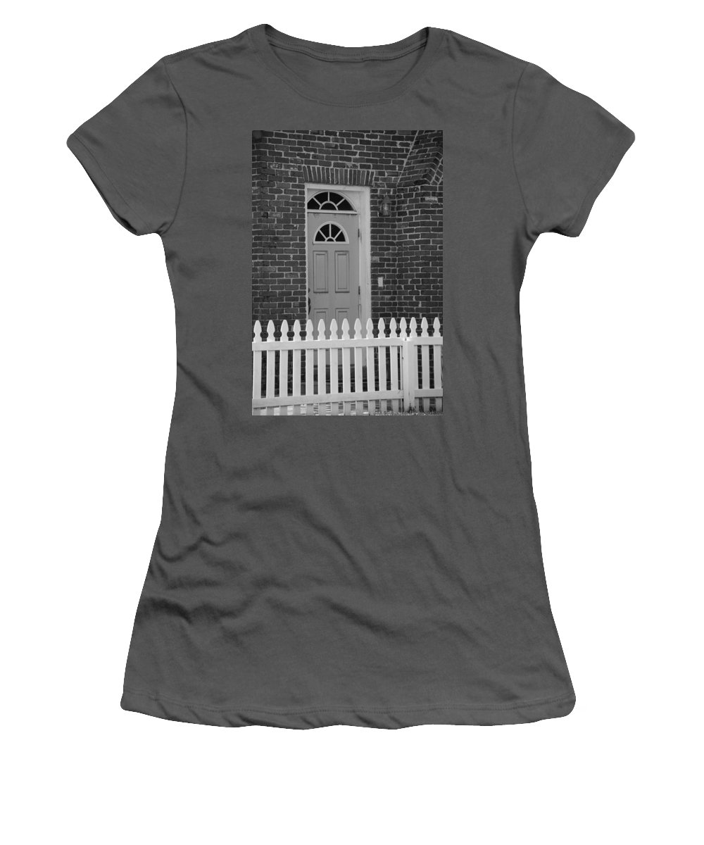 Black And White Women's T-Shirt (Athletic Fit) featuring the photograph Side Door by Rob Hans
