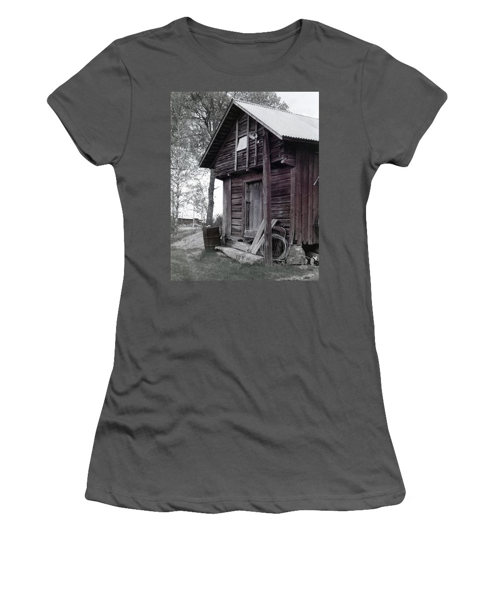 House Women's T-Shirt (Athletic Fit) featuring the photograph The Old Red House 11x14 by Randall Thomas Stone