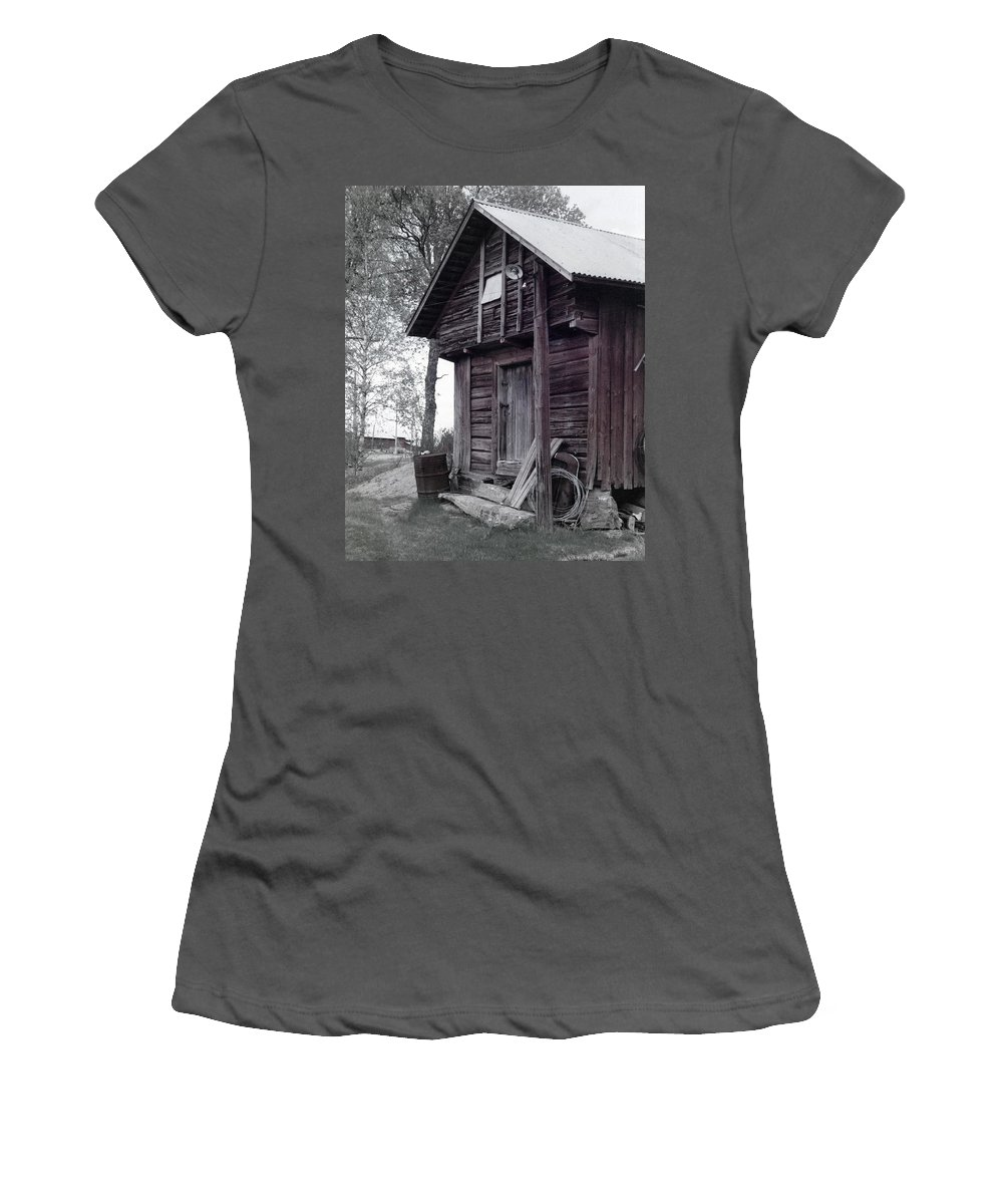 House Women's T-Shirt (Athletic Fit) featuring the photograph The Old Red House 8x10 by Randall Thomas Stone