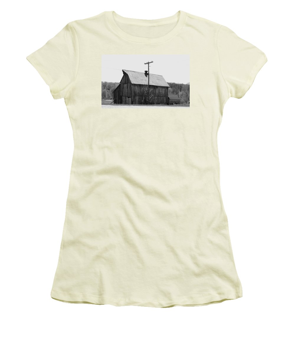 Barns Women's T-Shirt (Athletic Fit) featuring the photograph Barn On The Side Of The Road by Angus Hooper Iii