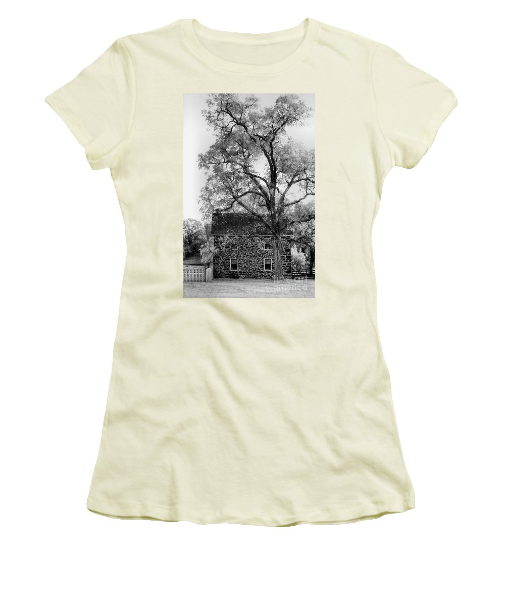 Homes Women's T-Shirt (Athletic Fit) featuring the photograph Old Stone House by Richard Rizzo