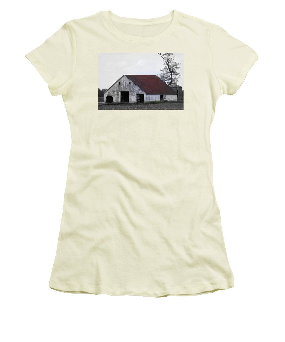 Barn Women's T-Shirt (Athletic Fit) featuring the photograph Red Roof Barn by Ed Smith