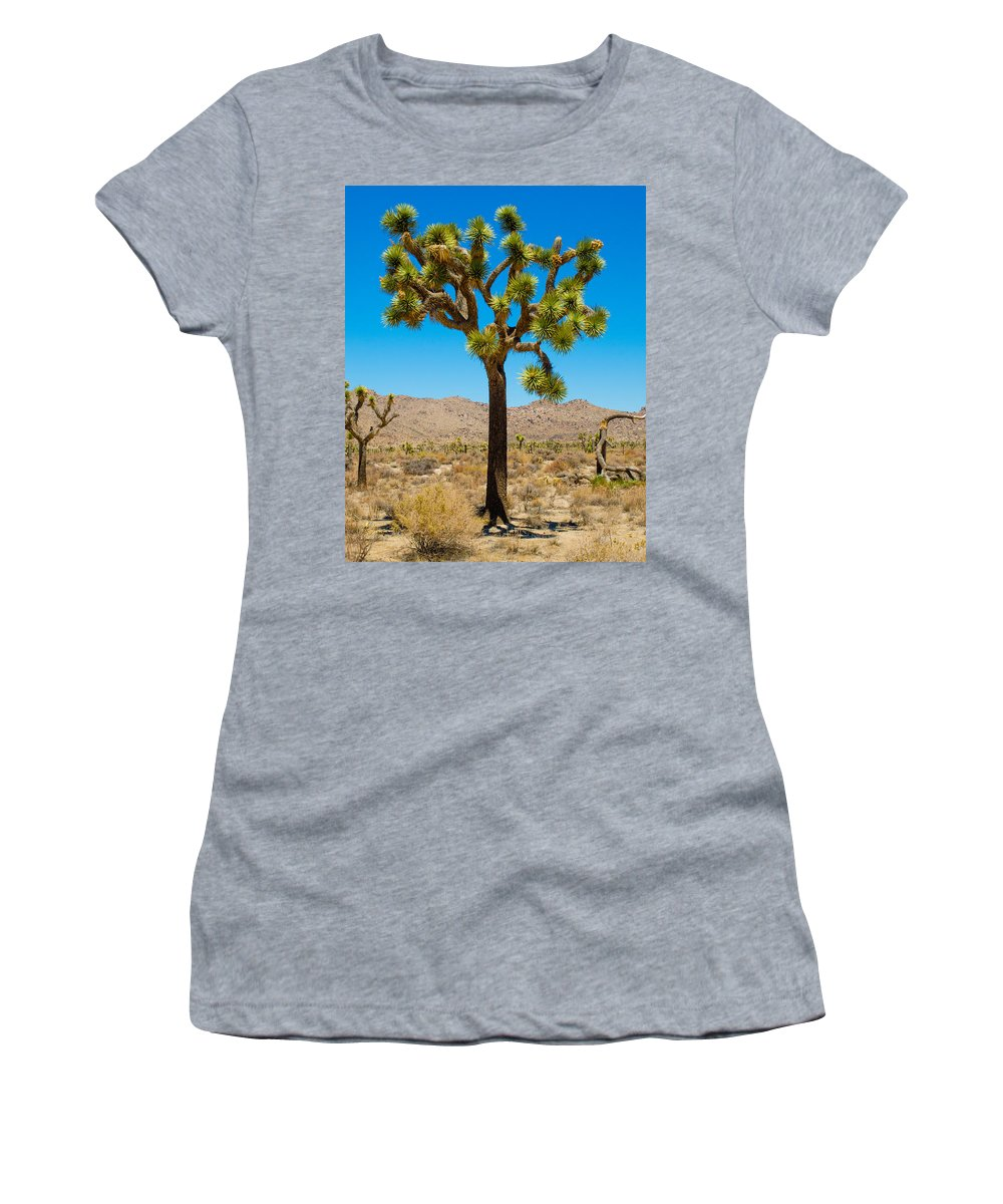 Joshua Tree Women's T-Shirt (Athletic Fit) featuring the photograph Joshua Tree 28 by Alex Snay