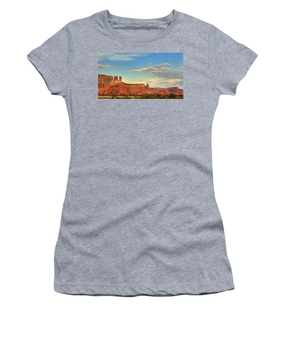 Georgia O'keefe Women's T-Shirt featuring the photograph Sunset At Ghost Ranch by Alan Vance Ley