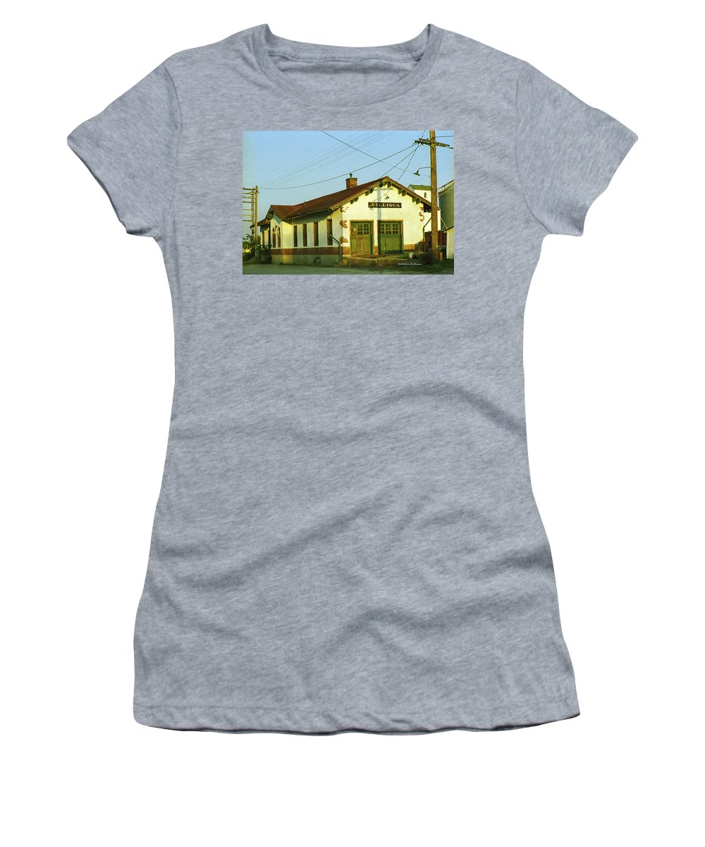 Villisca Ia Women's T-Shirt featuring the photograph Villisca Train Depot by Edward Peterson