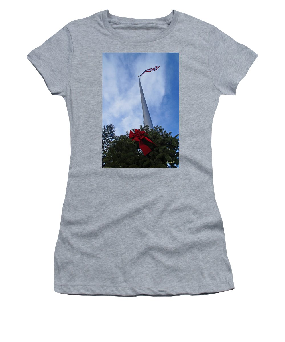 Heroes Women's T-Shirt featuring the photograph A Wreath For Our Heroes by Mick Anderson