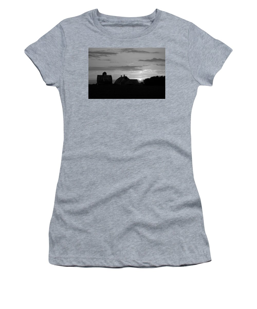 Day Women's T-Shirt featuring the photograph End Of Day Bw by Bonfire Photography