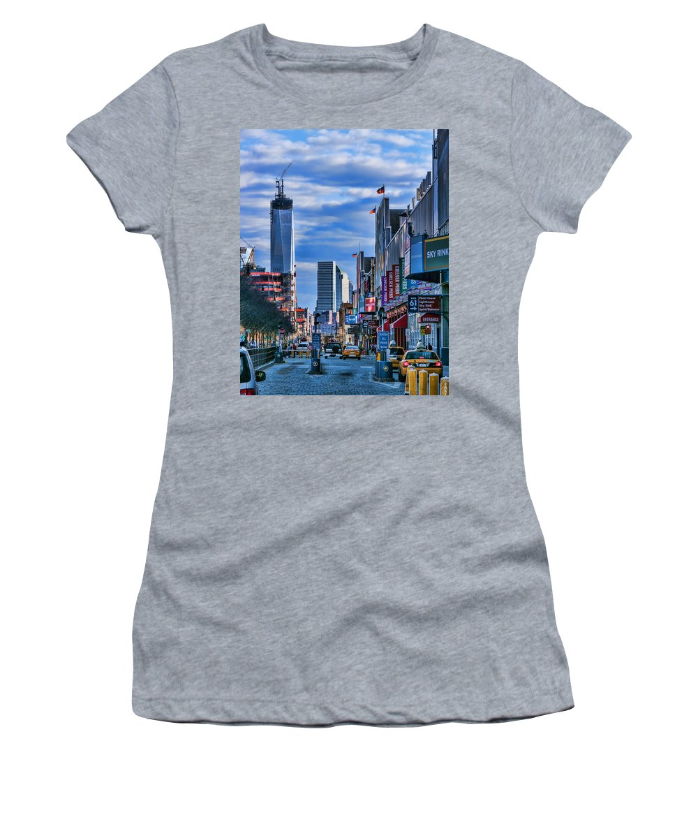 1wtc Women's T-Shirt (Athletic Fit) featuring the photograph Inspiring Chelsea by S Paul Sahm