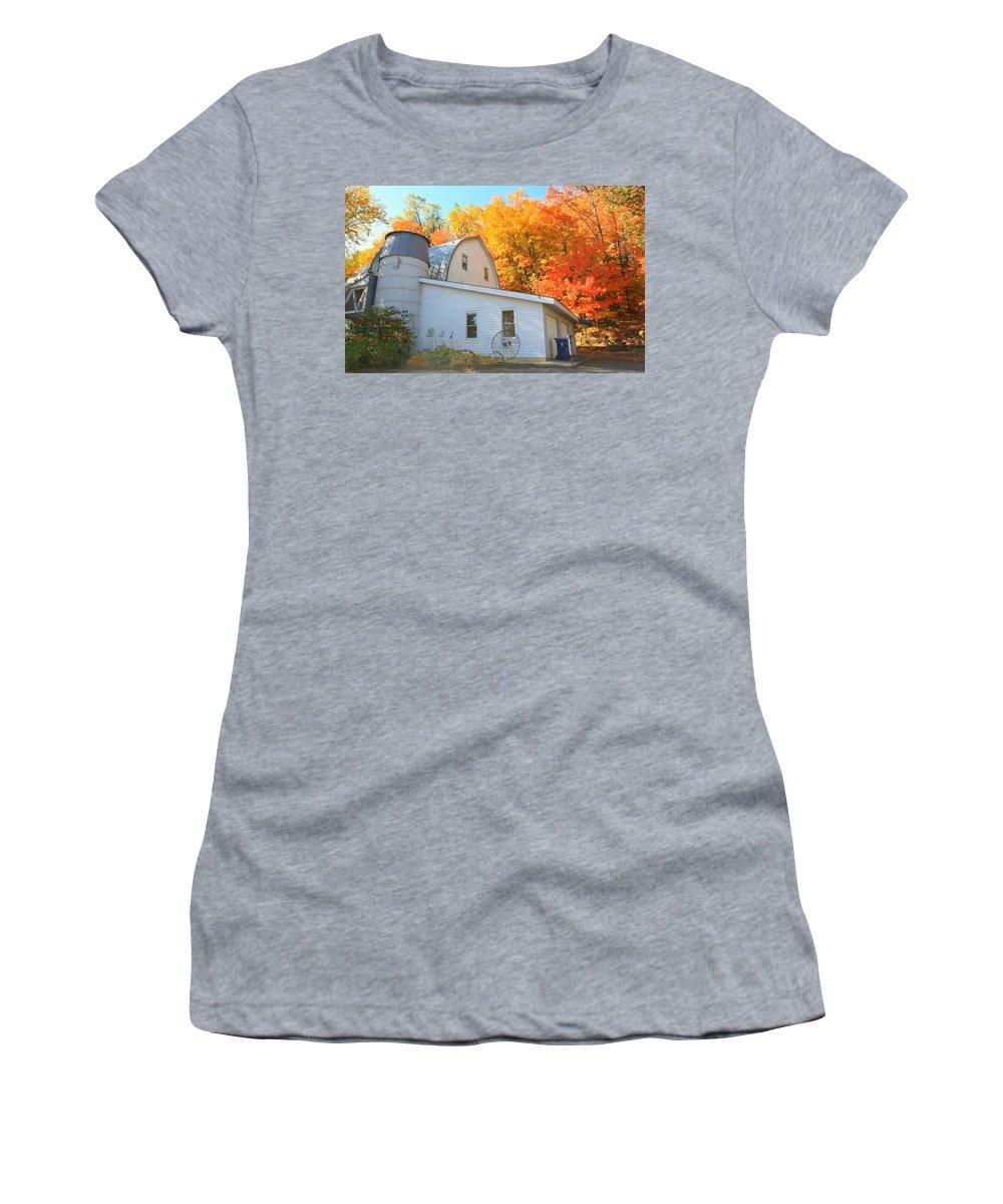 Minnesota Lakes Women's T-Shirt featuring the photograph Minnesota Barn by Amanda Stadther