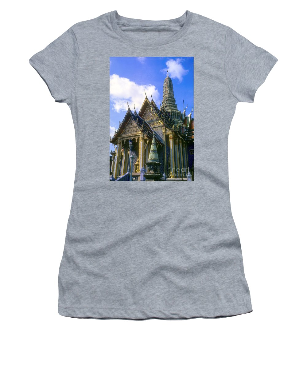 Wat Phra Kaew Temple Of The Emerald Buddha Buddhist Temples Spire Spires Bangkok Thailand Building Buildings Structure Structures Place Places Of Worship Landmark Landmark Imperial Palace Palaces Architecture City Cities Cityscape Cityscapes Women's T-Shirt featuring the photograph Wat Phra Kaew by Bob Phillips