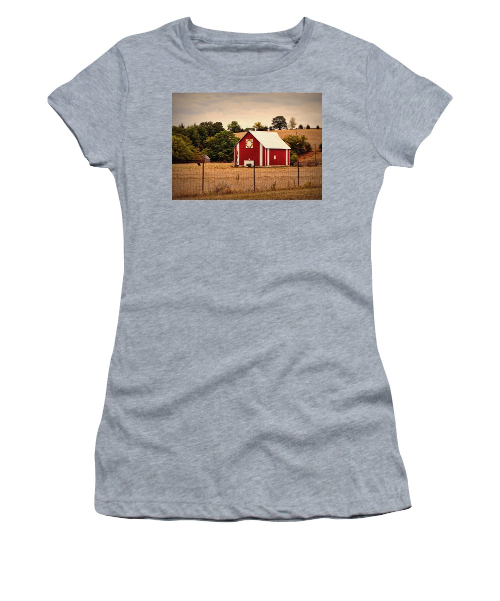Barn Women's T-Shirt (Athletic Fit) featuring the photograph Wedding Ring Quilt Barn by Cricket Hackmann