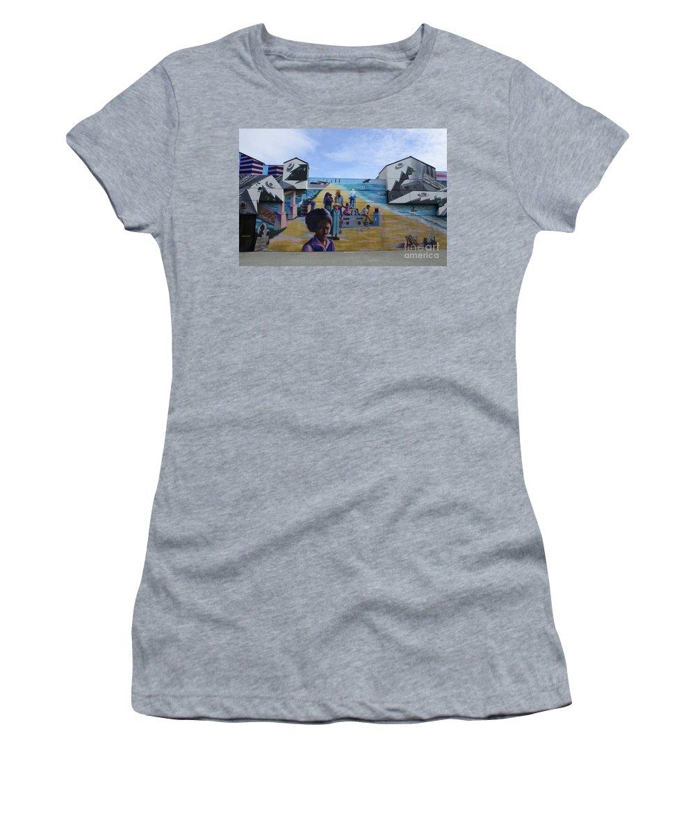Wall Art Women's T-Shirt featuring the photograph Venice Beach Wall Art 4 by Bob Christopher