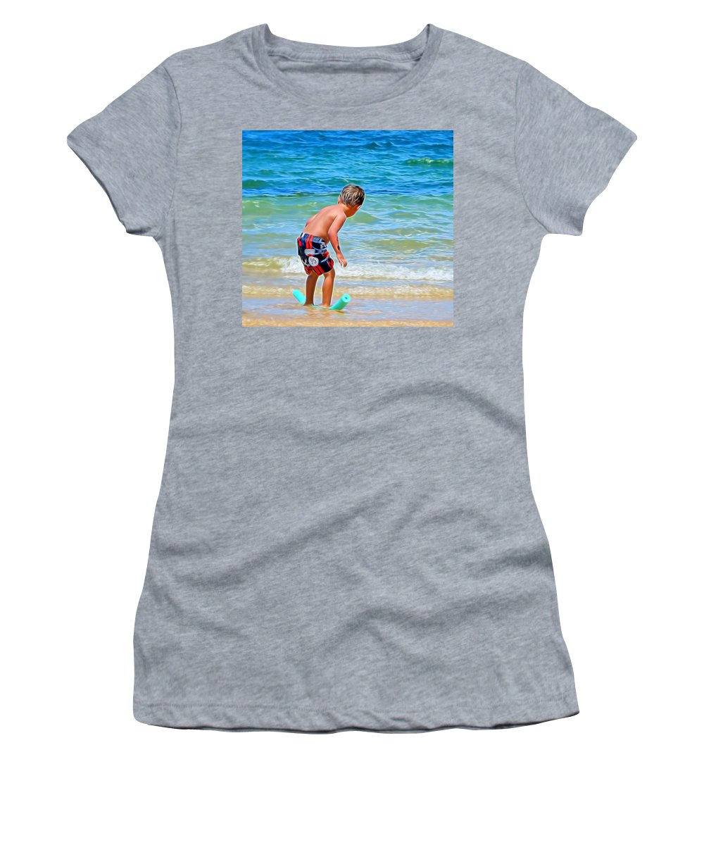 Noodle Women's T-Shirt featuring the photograph I Can Do This by Pamela Walton