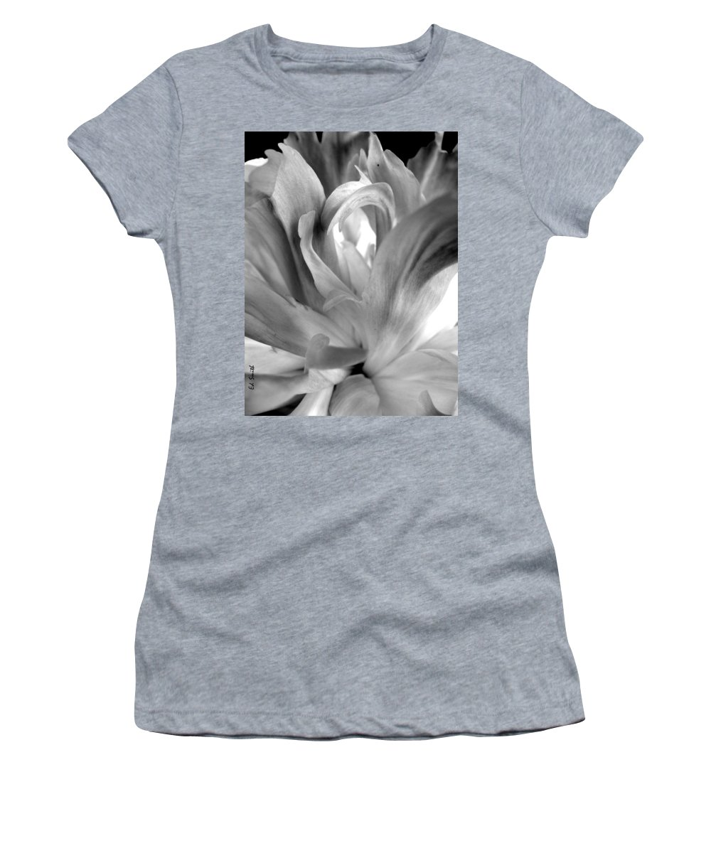 Peace Women's T-Shirt (Athletic Fit) featuring the photograph Peace by Ed Smith
