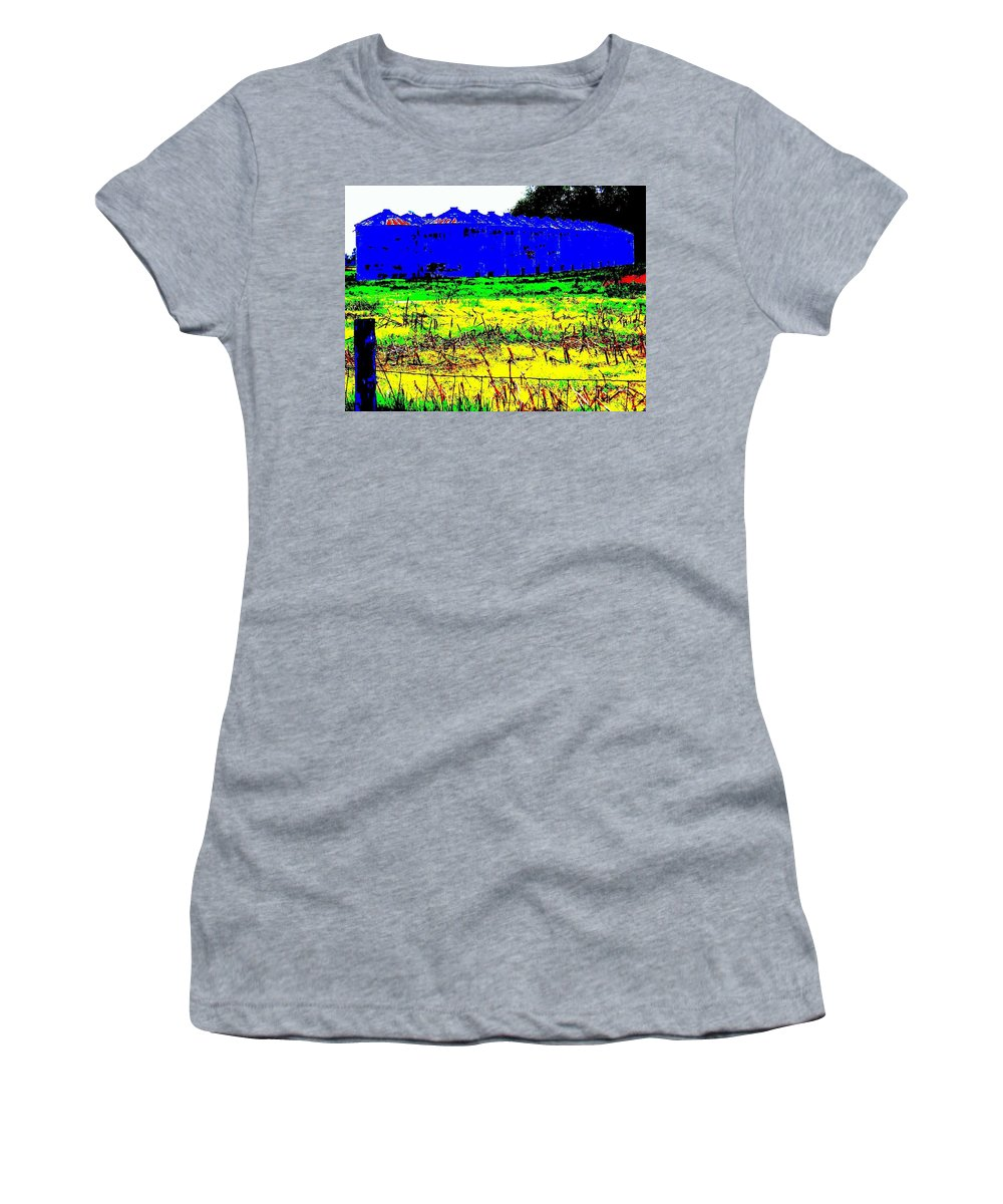 Landscape Women's T-Shirt (Athletic Fit) featuring the photograph Andys Farm by Ed Smith