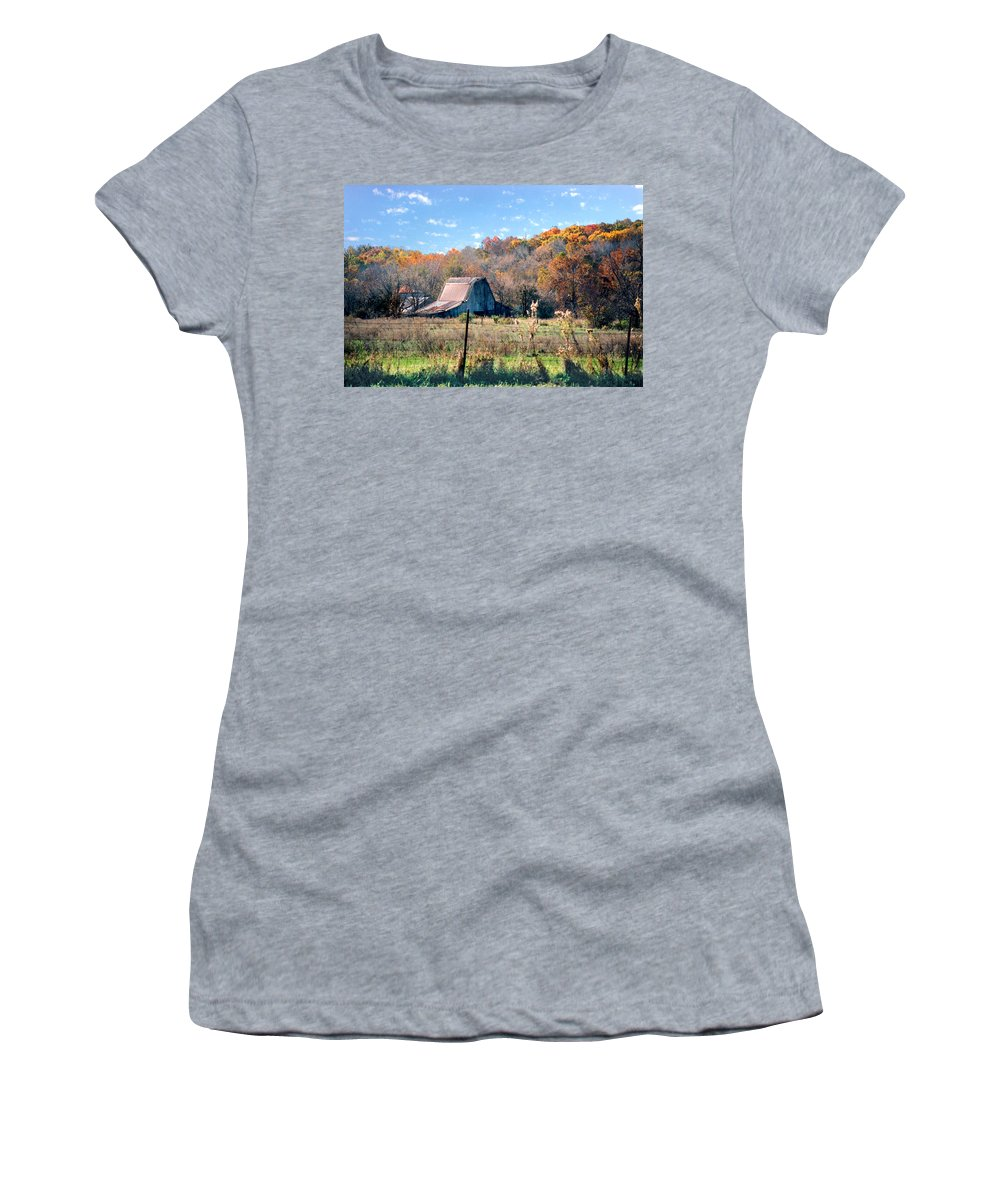 Landscape Women's T-Shirt (Athletic Fit) featuring the photograph Barn In Liberty Mo by Steve Karol