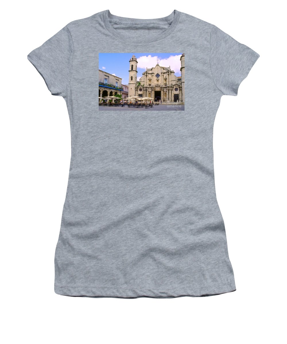 Havana Cuba Cathedral Of The Virgin Mary Of The Immaculate Conception Cathedrals Church Churches Tower Tower Plaza Plazas Umbrella Umbrellas Building Buildings Structure Structures Architecture City Cities Cityscape Cityscapes Place Places Of Worship Landmark Landmarks Women's T-Shirt (Athletic Fit) featuring the photograph Cathedral Of The Virgin Mary Of The Immaculate Conception by Bob Phillips